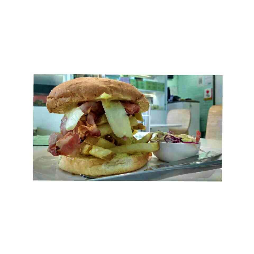 Food,Dish,Cuisine,Junk food,Breakfast sandwich,Ingredient,Fast food,Sandwich,Bocadillo,Bacon sandwich