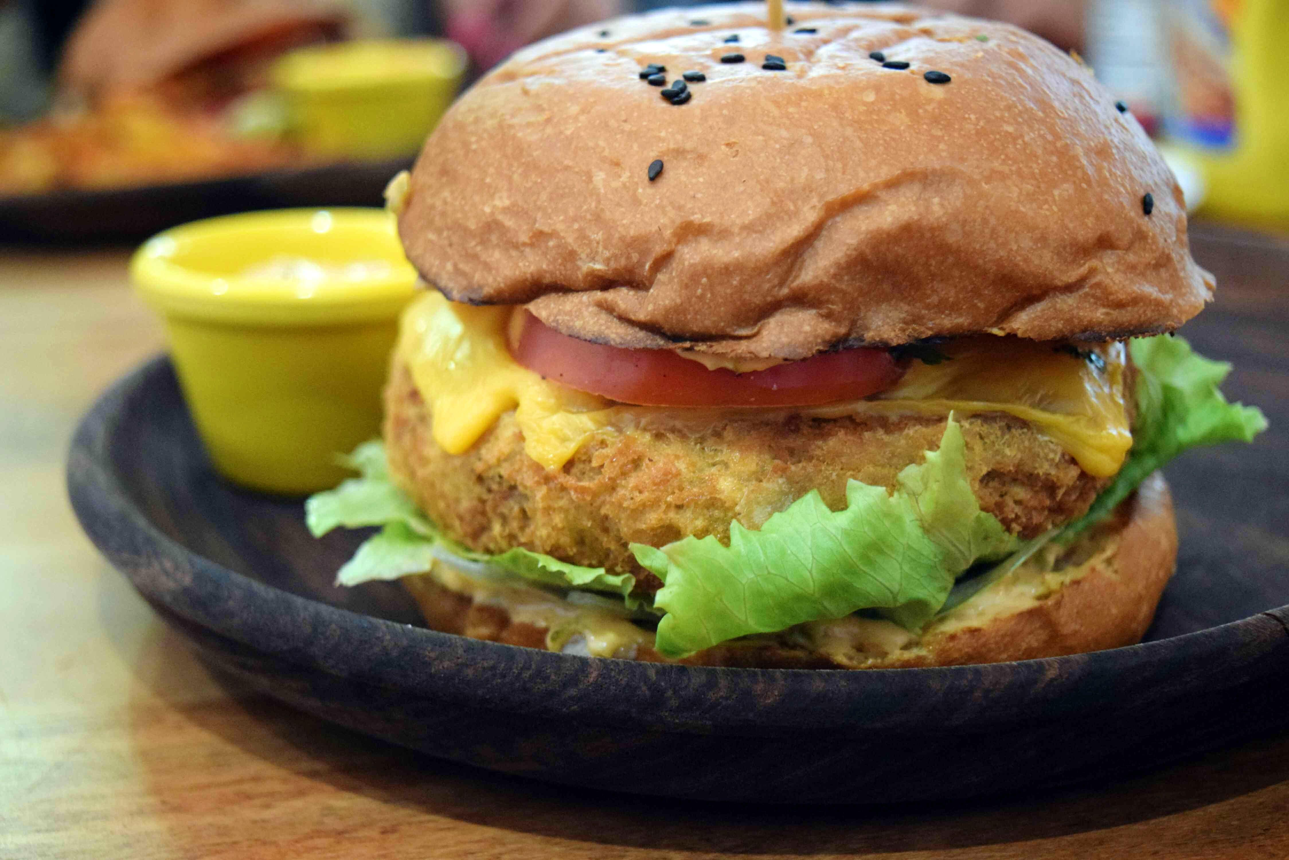 Dish,Food,Cuisine,Hamburger,Breakfast sandwich,Buffalo burger,Fast food,Veggie burger,Salmon burger,Ingredient