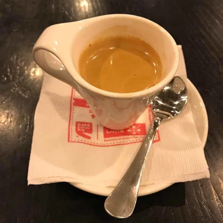 Cup,Food,Espresso,Cuban espresso,Coffee cup,Ristretto,Hong kong-style milk tea,Coffee,Drink,Cup