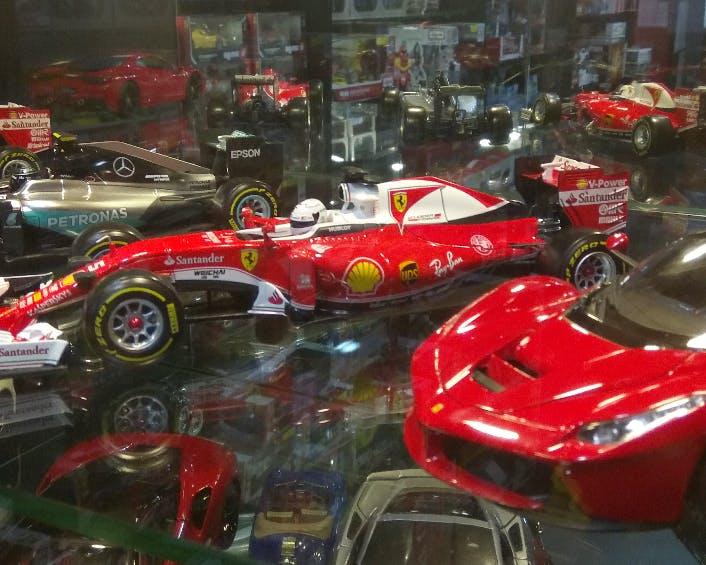 Race car,Vehicle,Formula one car,Car,Automotive design,Sports car,Luxury vehicle,Open-wheel car,Automotive exterior,Auto show