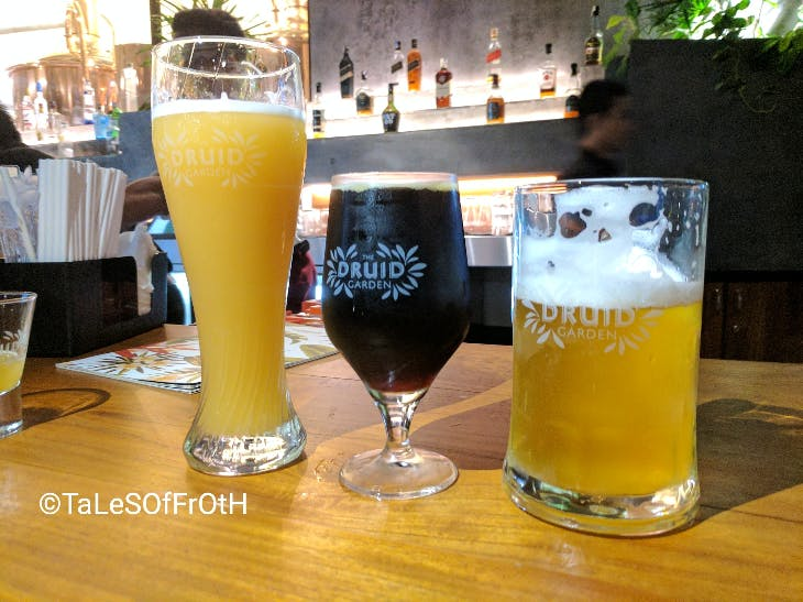 Drink,Beer,Alcoholic beverage,Beer glass,Distilled beverage,Wheat beer,Beer cocktail,Lager,Ale,Bia hơi