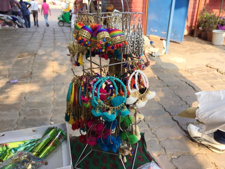The Mini Flea Market outside Dilli Haat is like the Perfect Welcome!
