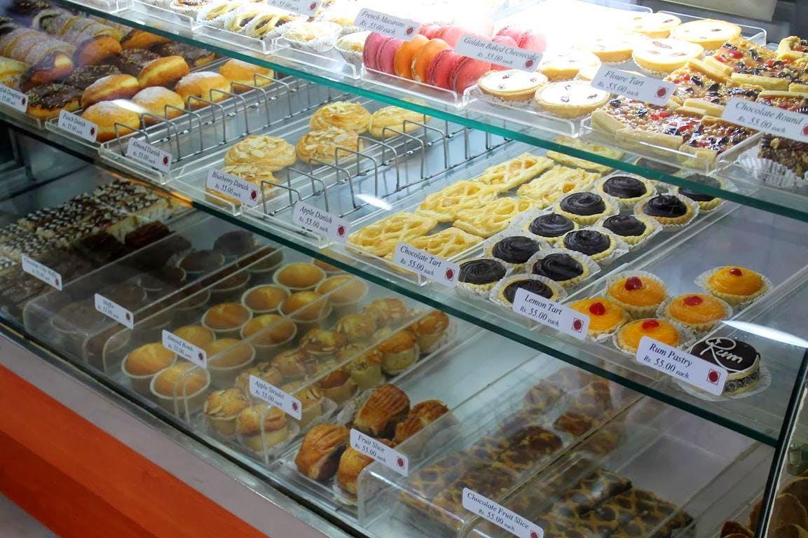 Food,Pâtisserie,Cuisine,Bakery,Dish,Delicacy,Dessert,Pastry,Delicatessen,Pączki