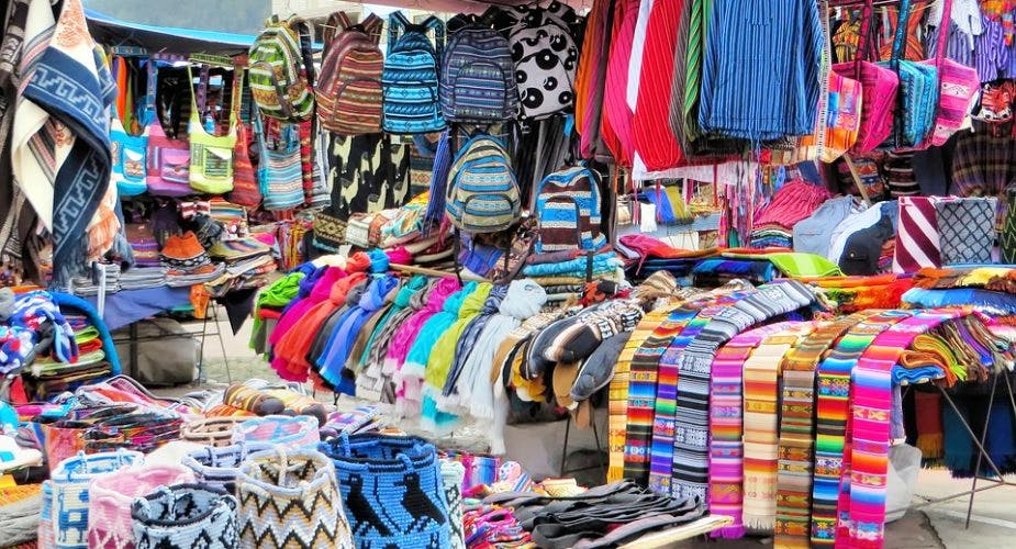 Selling,Bazaar,Market,Public space,Marketplace,Human settlement,Textile,Flea market,Boutique,Outlet store