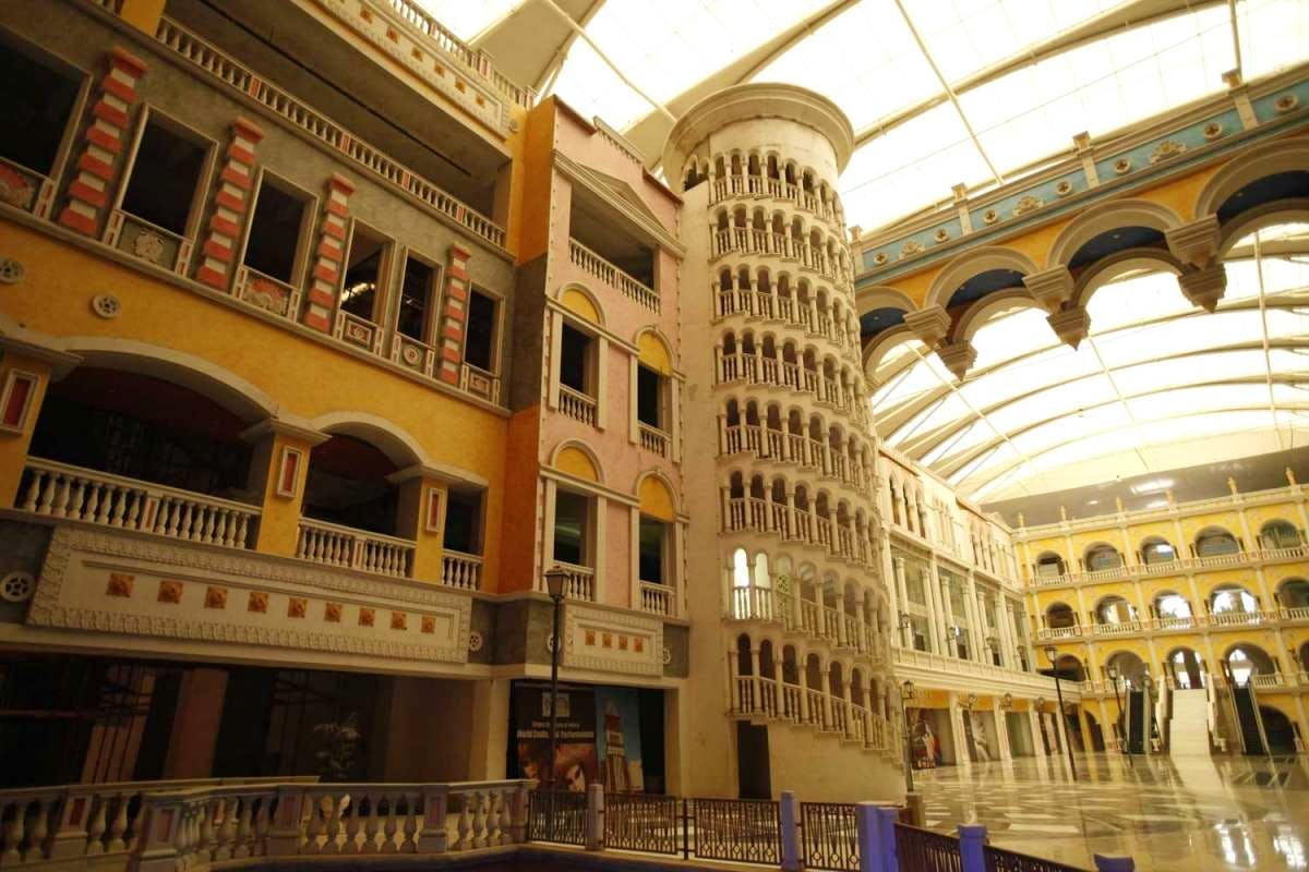 Building,Architecture,Palace,Arcade,Ceiling,Arch,City