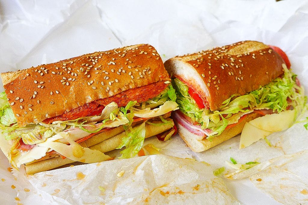 Dish,Food,Cuisine,Ingredient,Ham and cheese sandwich,Breakfast sandwich,Sandwich,Fast food,Submarine sandwich,Junk food
