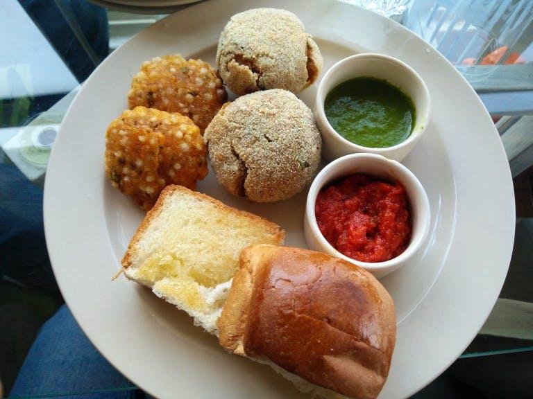 Dish,Food,Cuisine,Ingredient,Fast food,Meal,Fried food,Produce,Staple food,Brunch