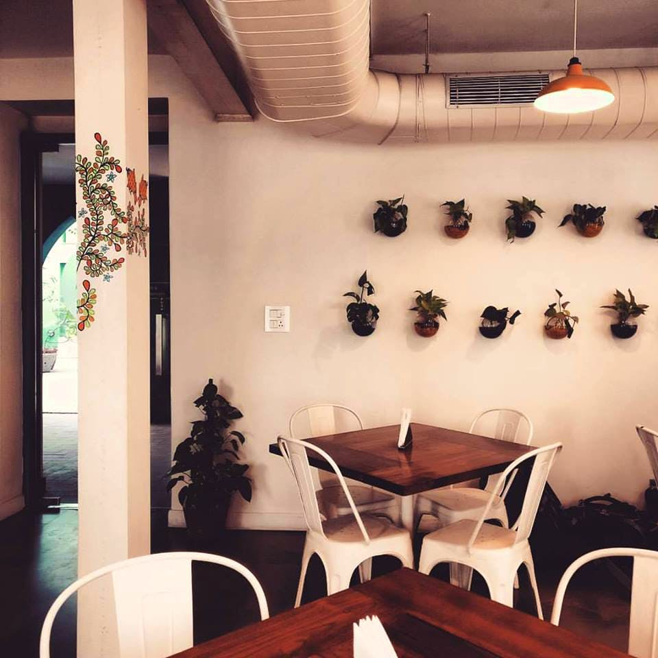 Room,Interior design,Building,Restaurant,Wall,Table,Ceiling,Furniture,Architecture,House