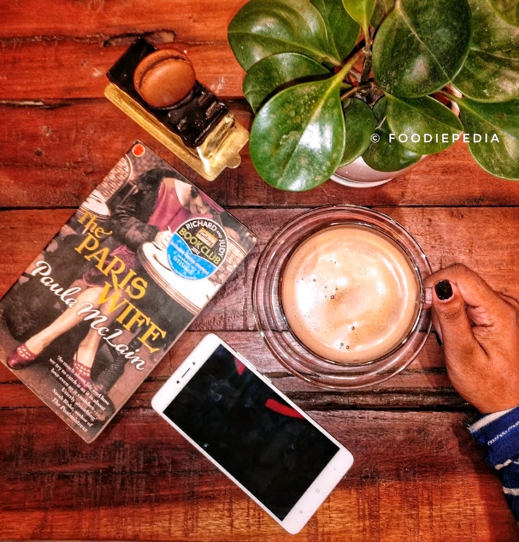 Morning,Drink,Leaf,Technology,Electronic device,Cup,Hand,Wood,Coffee,Coffee cup