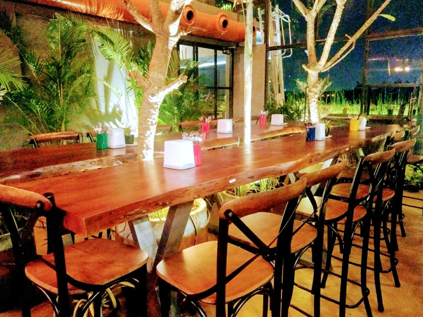 Table,Property,Room,Furniture,Restaurant,Building,Kitchen & dining room table,Café,Interior design,Outdoor table