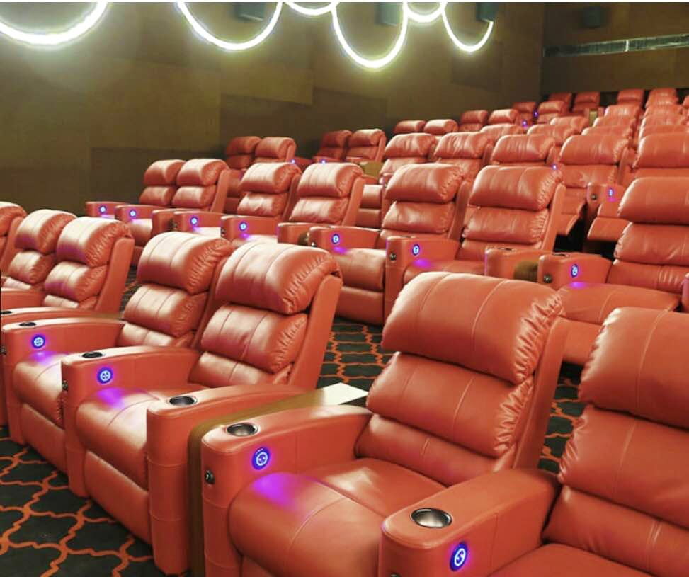 Auditorium,Theatre,Movie theater,heater,Room,Building,Movie palace,Furniture,Leather
