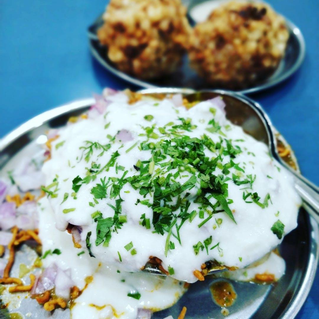 Dish,Food,Cuisine,Ingredient,Sour cream,Produce,Potato,Chaat,Vegetarian food,Recipe