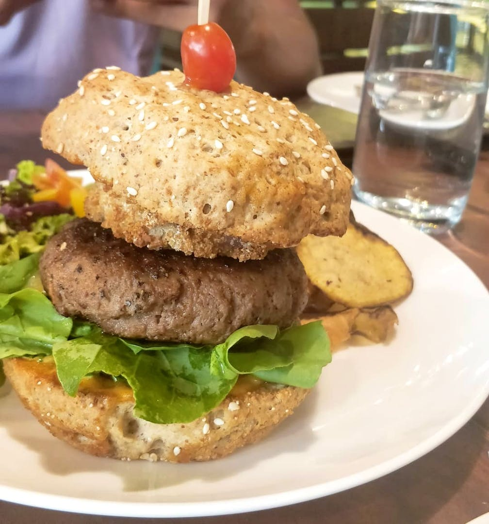 Dish,Food,Cuisine,Buffalo burger,Hamburger,Patty,Ingredient,Veggie burger,Salmon burger,Fast food