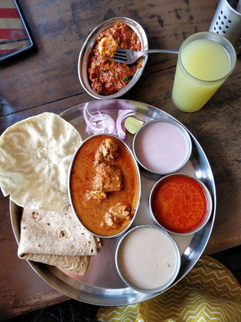 Dish,Food,Cuisine,Ingredient,Meal,Chutney,Muhammara,Naan,Indian cuisine,Gravy