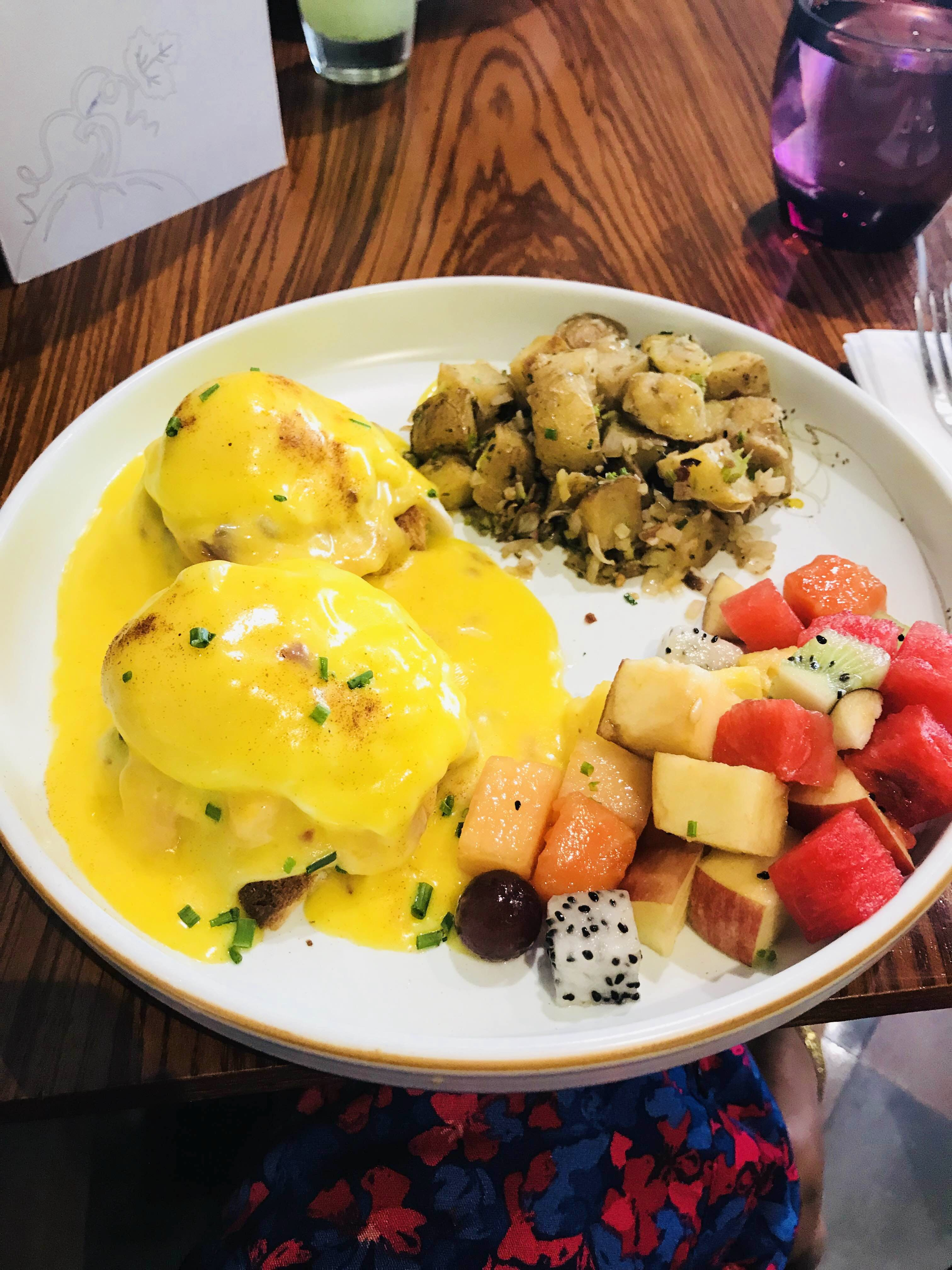 Dish,Cuisine,Food,Meal,Ingredient,Brunch,Breakfast,Produce,Eggs benedict,Lunch