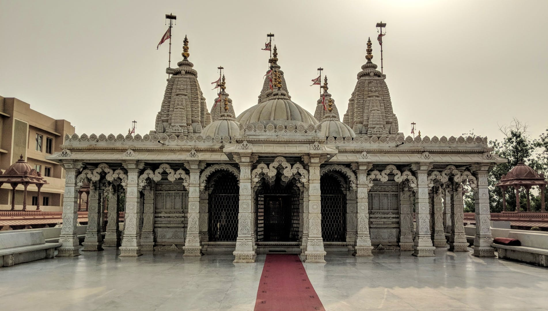 This Architectural Marvel In East Delhi Will Woo Your Spiritual Senses