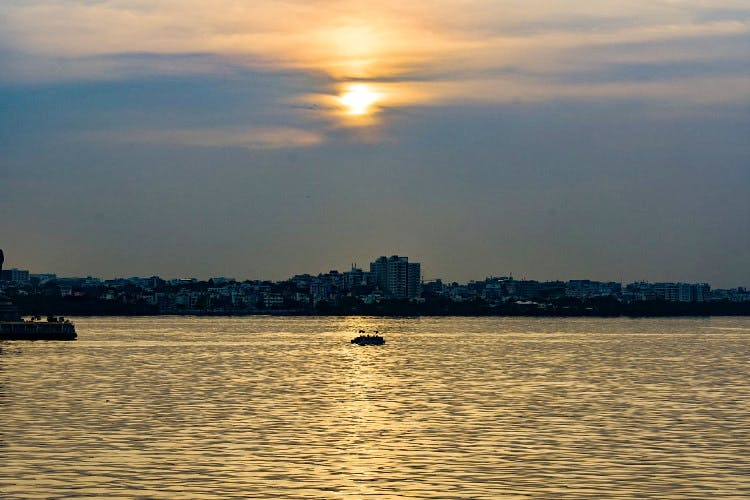 Sky,Body of water,Water,Horizon,Sunset,River,Cloud,Evening,Sea,Water resources
