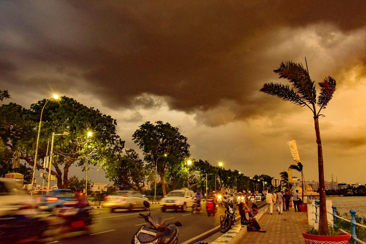 Sky,Cloud,Tree,Night,Palm tree,Evening,Tropics,Arecales,Woody plant,Sea