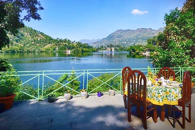 Nature,Natural landscape,Lake,Water,Property,Sky,Tourism,Tree,River,Reservoir