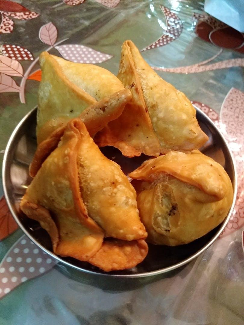 Dish,Food,Cuisine,Empanada,Fried food,Ingredient,Khuushuur,Curry puff,Snack,Pastry
