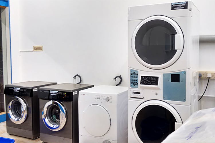 Washing machine,Major appliance,Laundry,Laundry room,Clothes dryer,Home appliance,Room