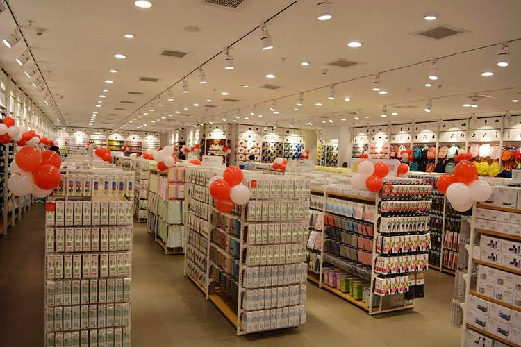 Building,Retail,Aisle,Supermarket,Outlet store,Grocery store,Interior design