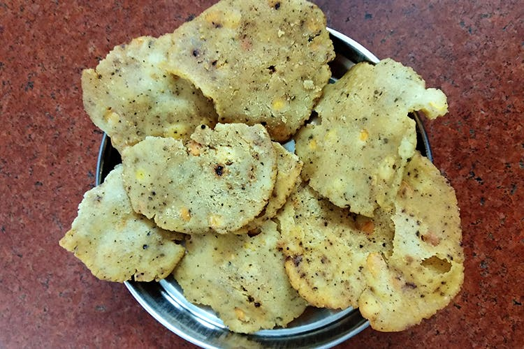 Food,Dish,Cuisine,Ingredient,Snack,Junk food,Cookies and crackers,Potato chip,Produce,Cracker
