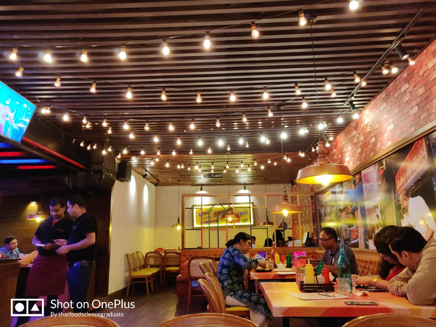 Building,Restaurant,Interior design,Leisure,Food court,Ceiling