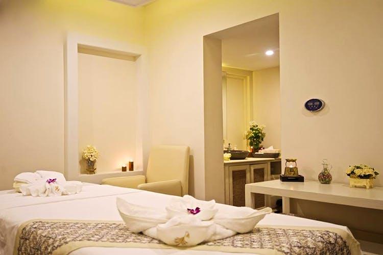 Bedroom,Room,Furniture,Property,Bed,Interior design,Bed frame,Bed sheet,Wall,Suite