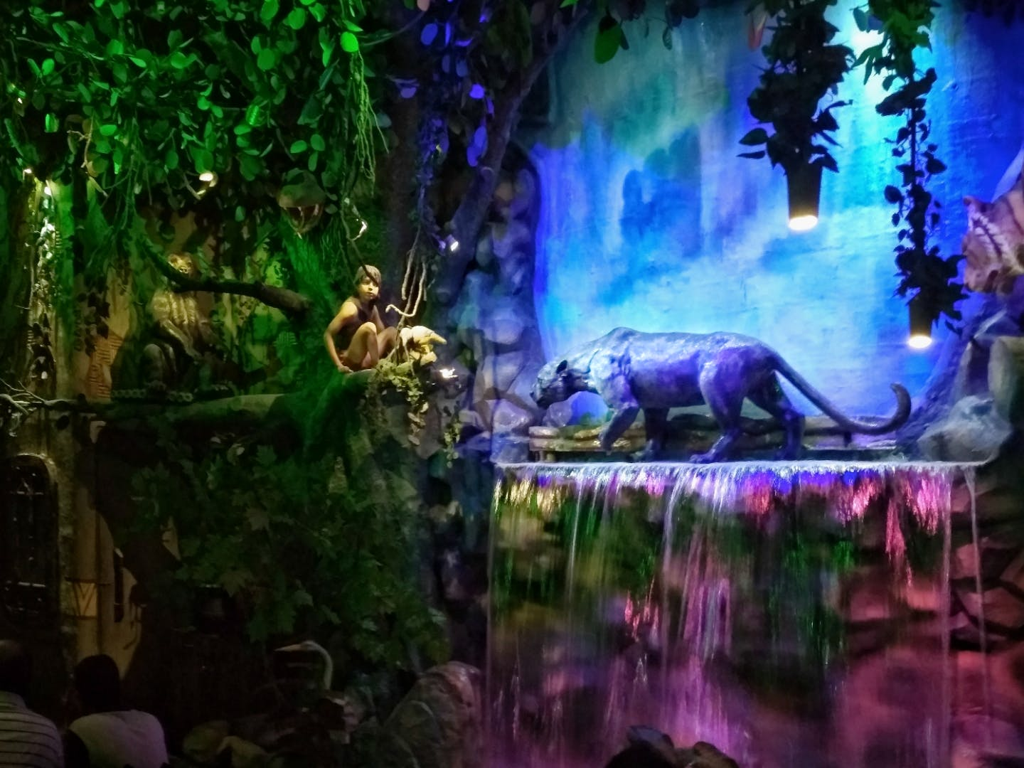 Head To This Jungle-Themed Eatery For Delish Food & Quirky Decor