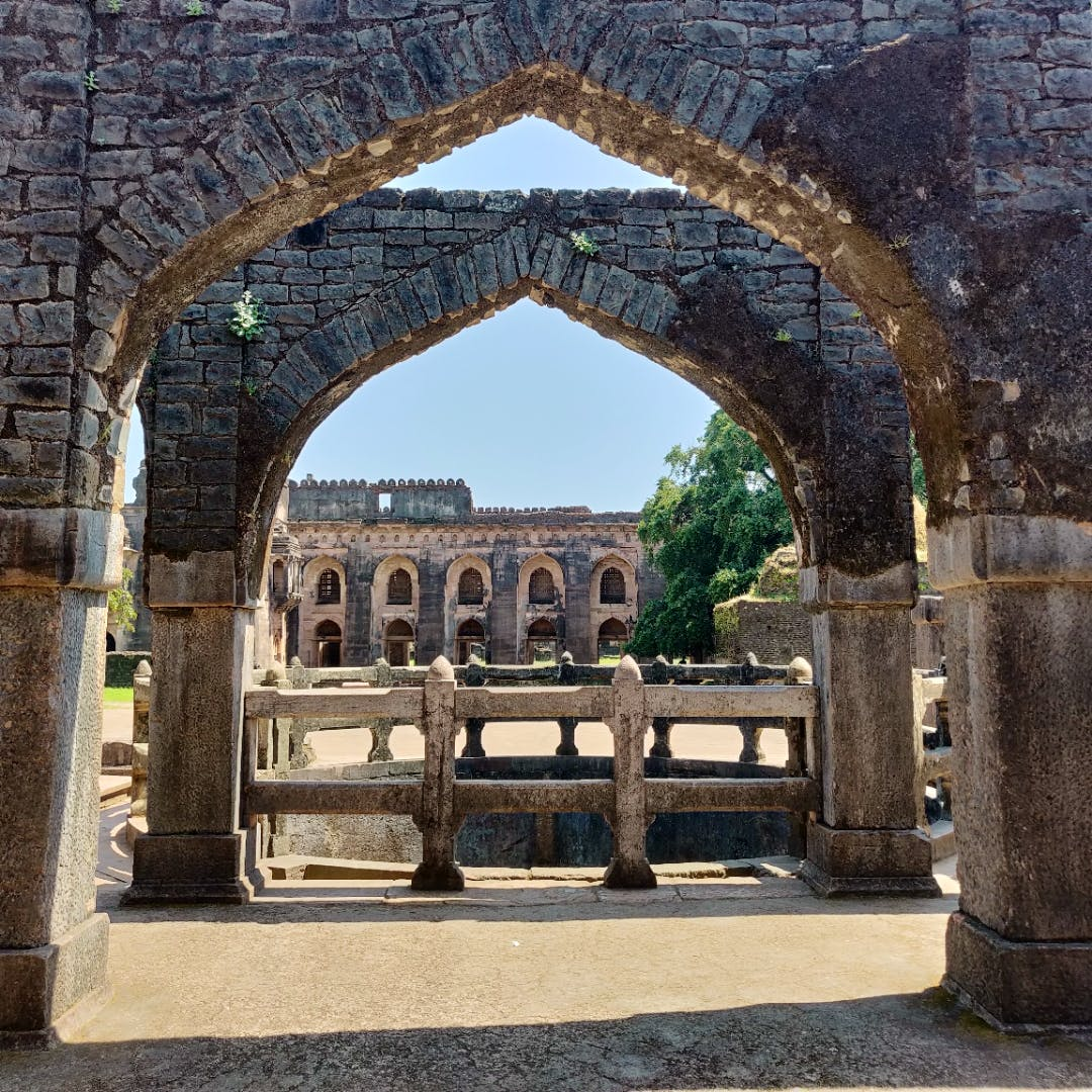 Fascinated By History? Visit The Ancient Fort City Of Madhya Pradesh