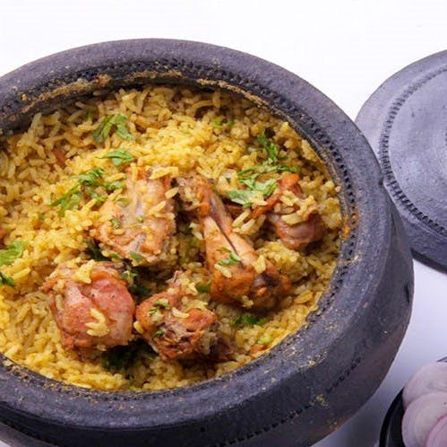 Dish,Cuisine,Food,Biryani,Rice,Meat,Ingredient,Claypot chicken rice,Jambalaya,Kabsa