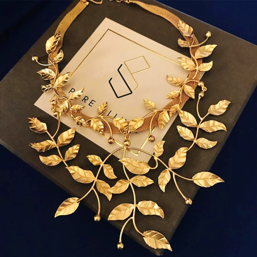 Necklace,Jewellery,Fashion accessory,Leaf,Gold,Neck,Plant,Chain,Collar,Choker