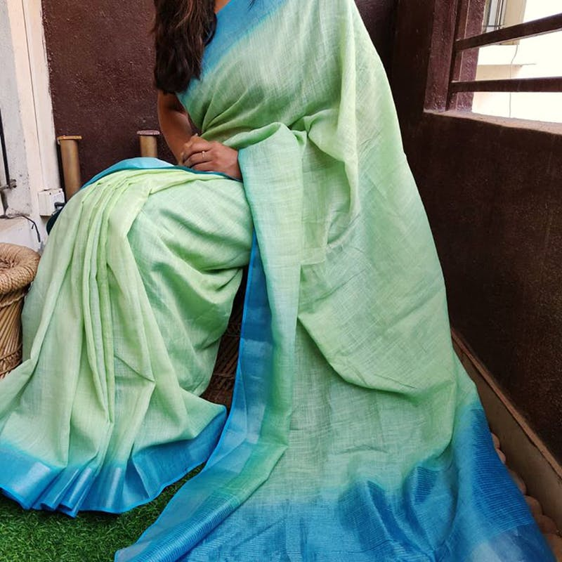 Green,Blue,Turquoise,Aqua,Outerwear,Textile,Costume,Silk,Dress,Turquoise