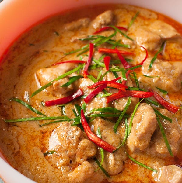 Dish,Food,Red curry,Cuisine,Ingredient,Curry,Meat,Thai curry,Produce,Gravy