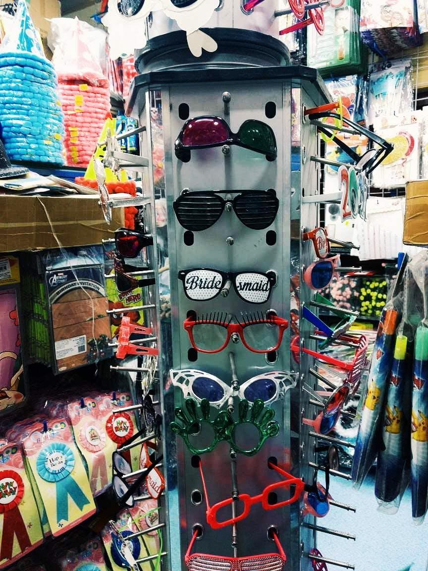 Eyewear,Glasses,Sunglasses,T-shirt,Textile,Vision care,Street,Personal protective equipment,City,Art