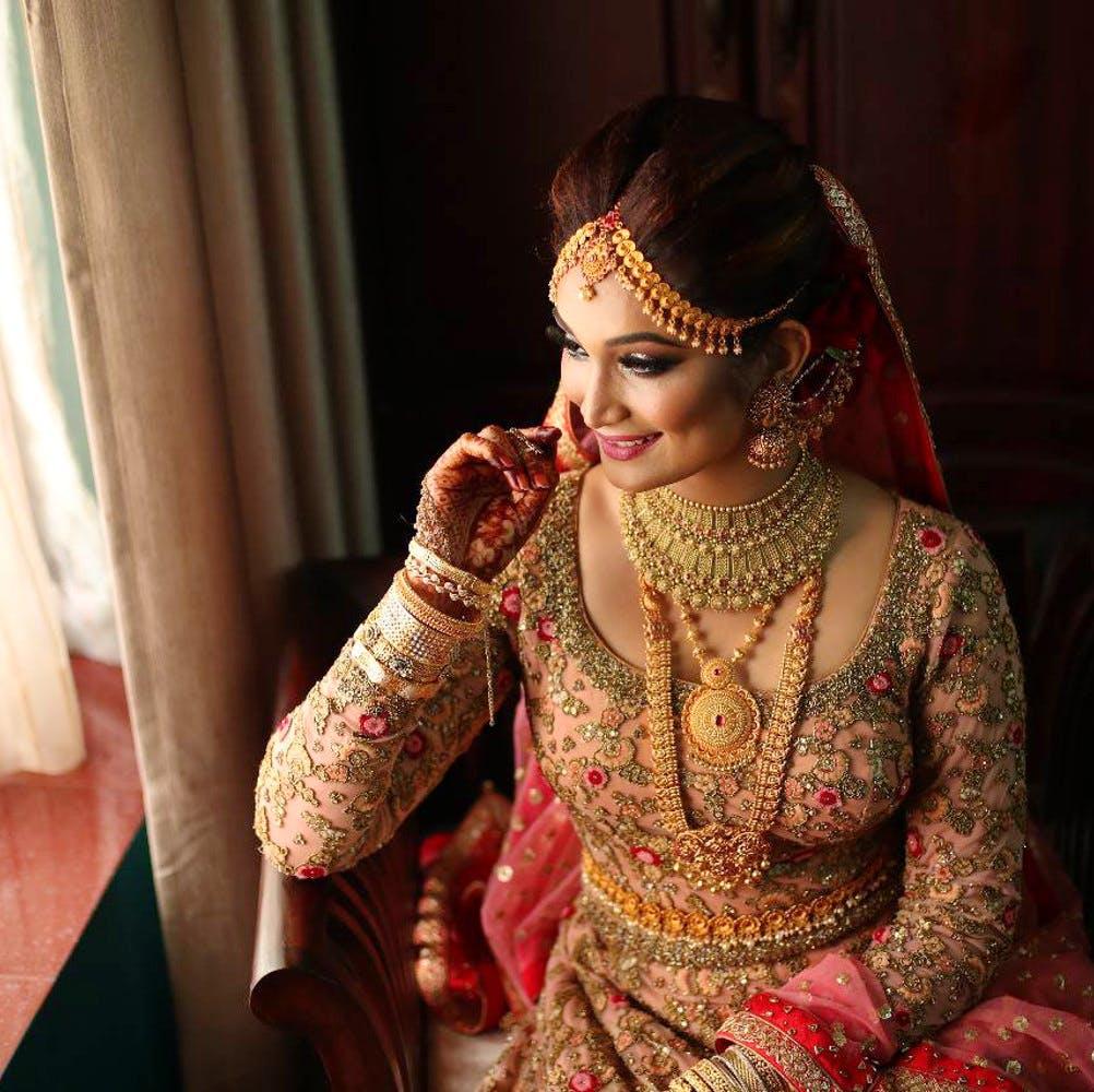 Bride,Mehndi,Lady,Beauty,Tradition,Sari,Pattern,Design,Ceremony,Wedding dress
