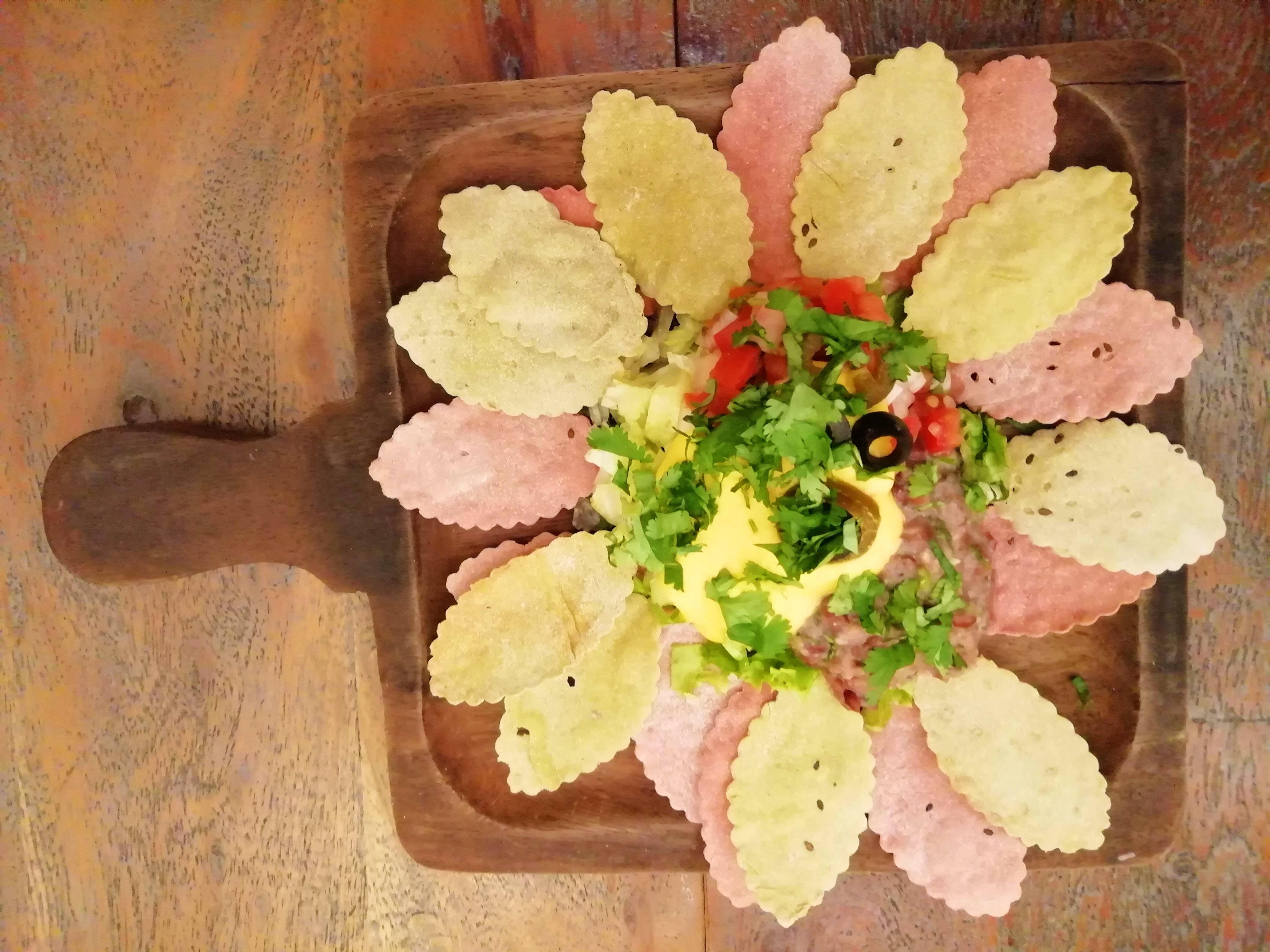 Flower,Dish,Food,Plant,Cuisine,Cut flowers,Floral design
