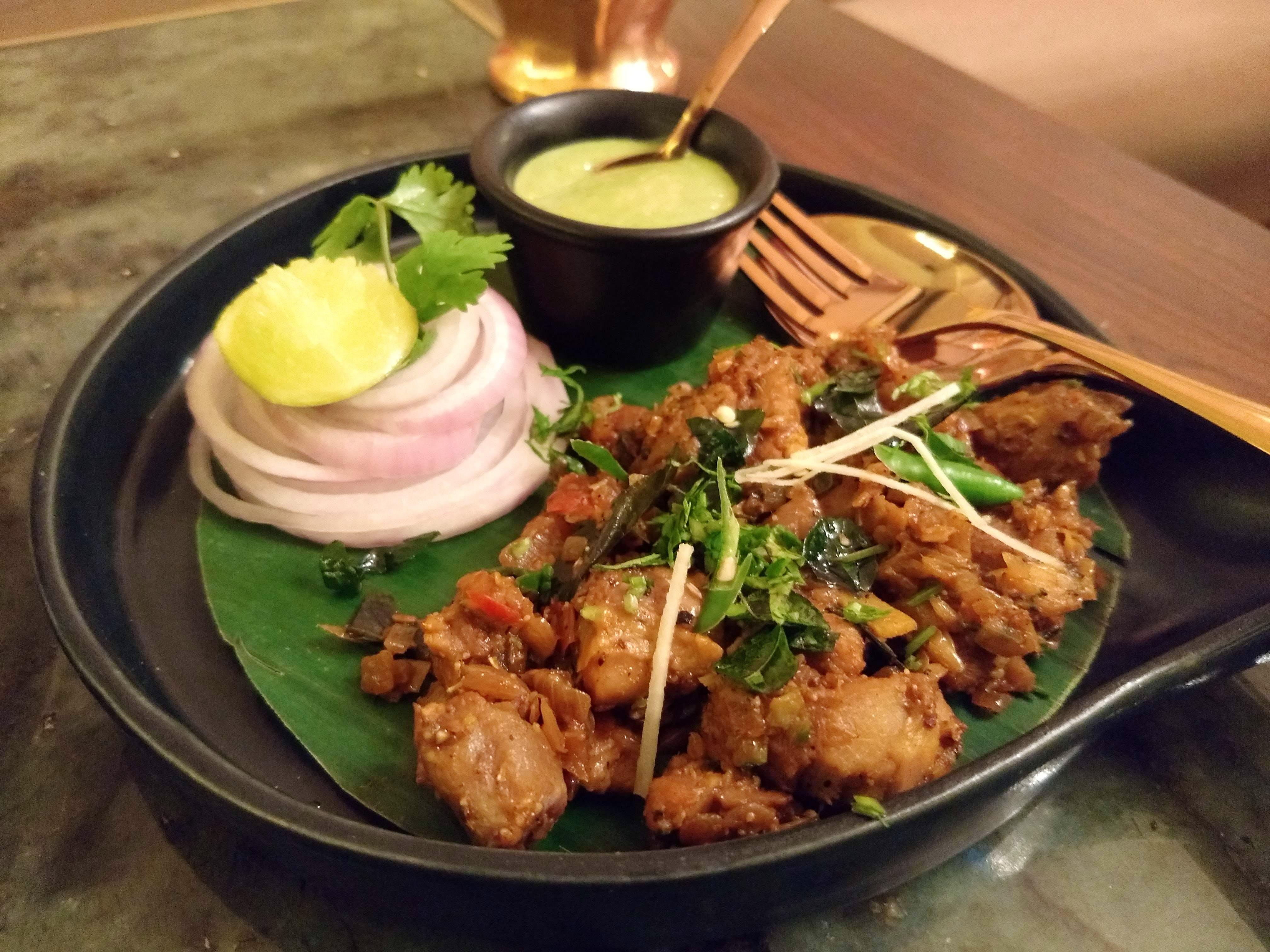 Dish,Food,Cuisine,Fried food,Ingredient,Karaage,Meal,Chicken meat,Meat,Produce