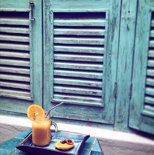 Window covering,Window,Window blind,Wood,Door,Drink