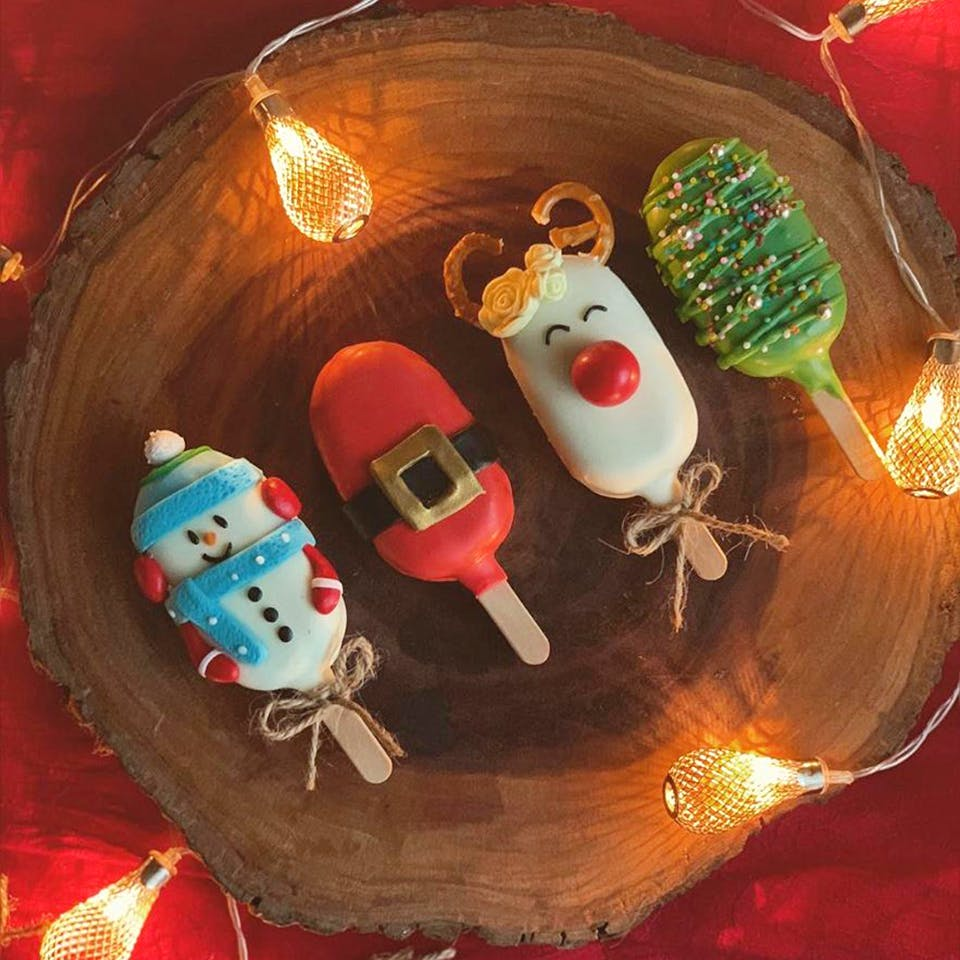 Christmas Themed Cakesicles.Best Christmas Desserts By Home Bakers Lbb Chennai