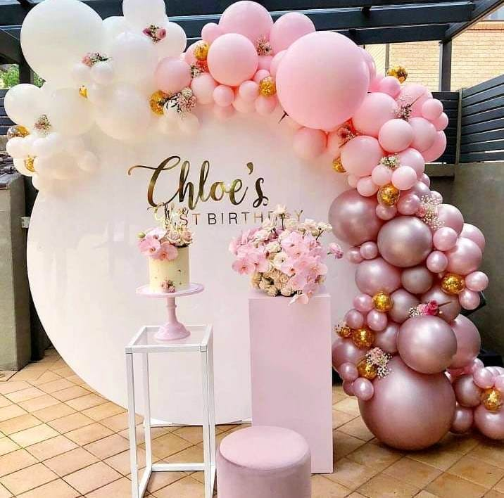 Balloon,Arch,Pink,Party supply,Architecture,Decoration,Party,Toy,Flower,Centrepiece