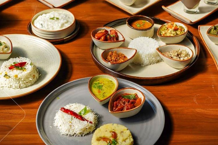 Dish,Food,Cuisine,Meal,Steamed rice,Ingredient,Lunch,Comfort food,White rice,Plate lunch
