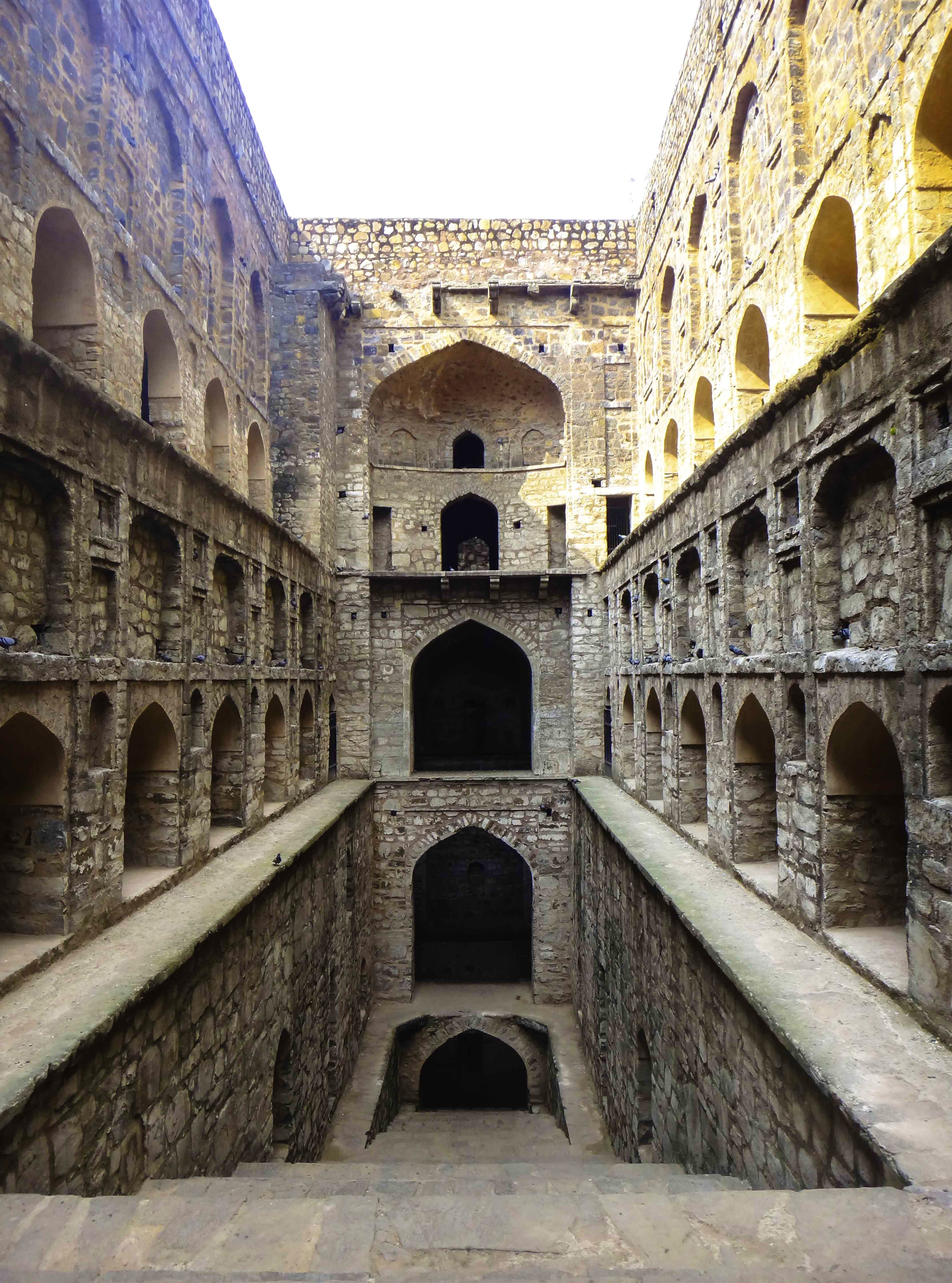 Landmark,Holy places,Architecture,Arch,Historic site,Fortification,Building,Ancient history,Caravanserai,History