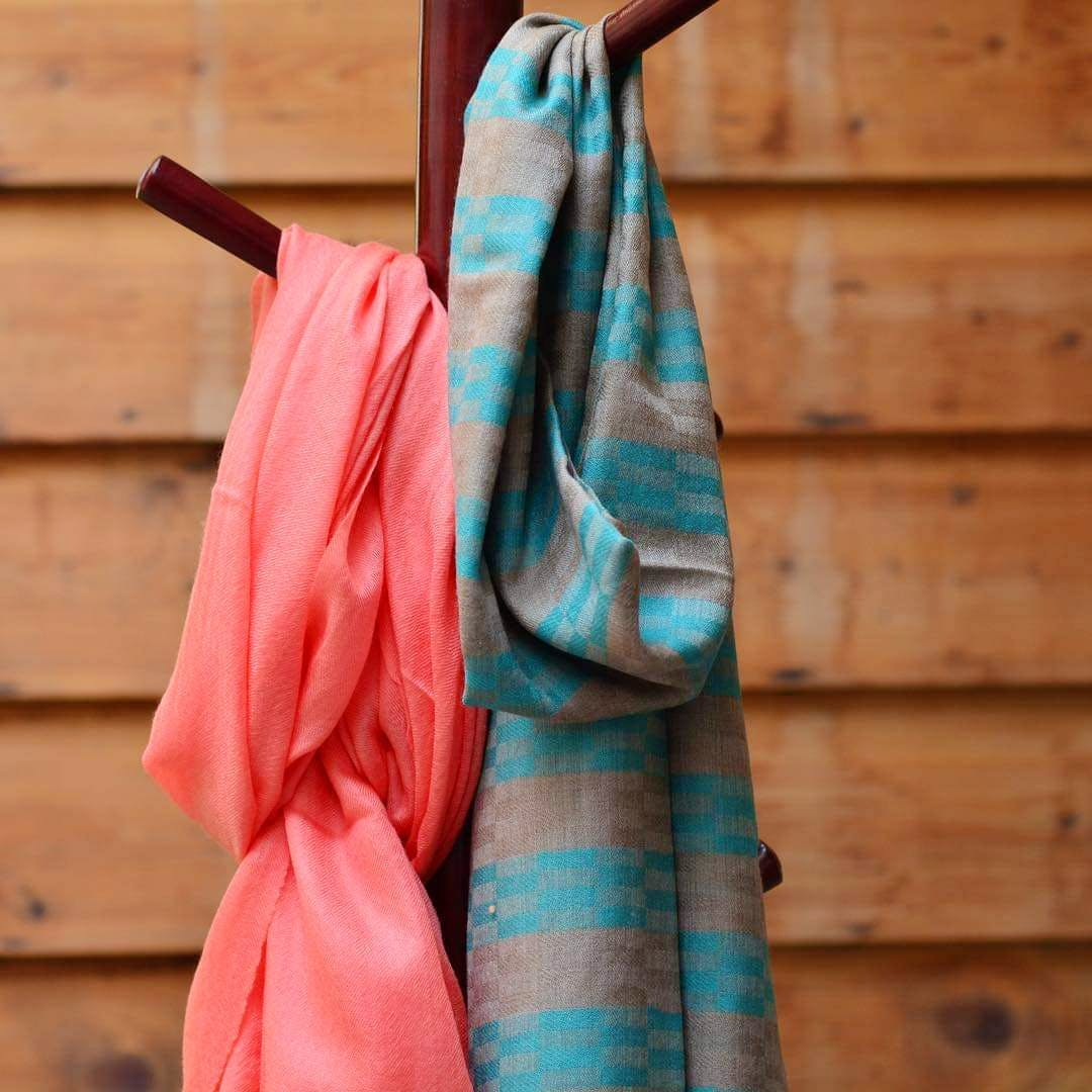 Clothing,Turquoise,Pink,Blue,Aqua,Stole,Silk,Textile,Teal,Linens