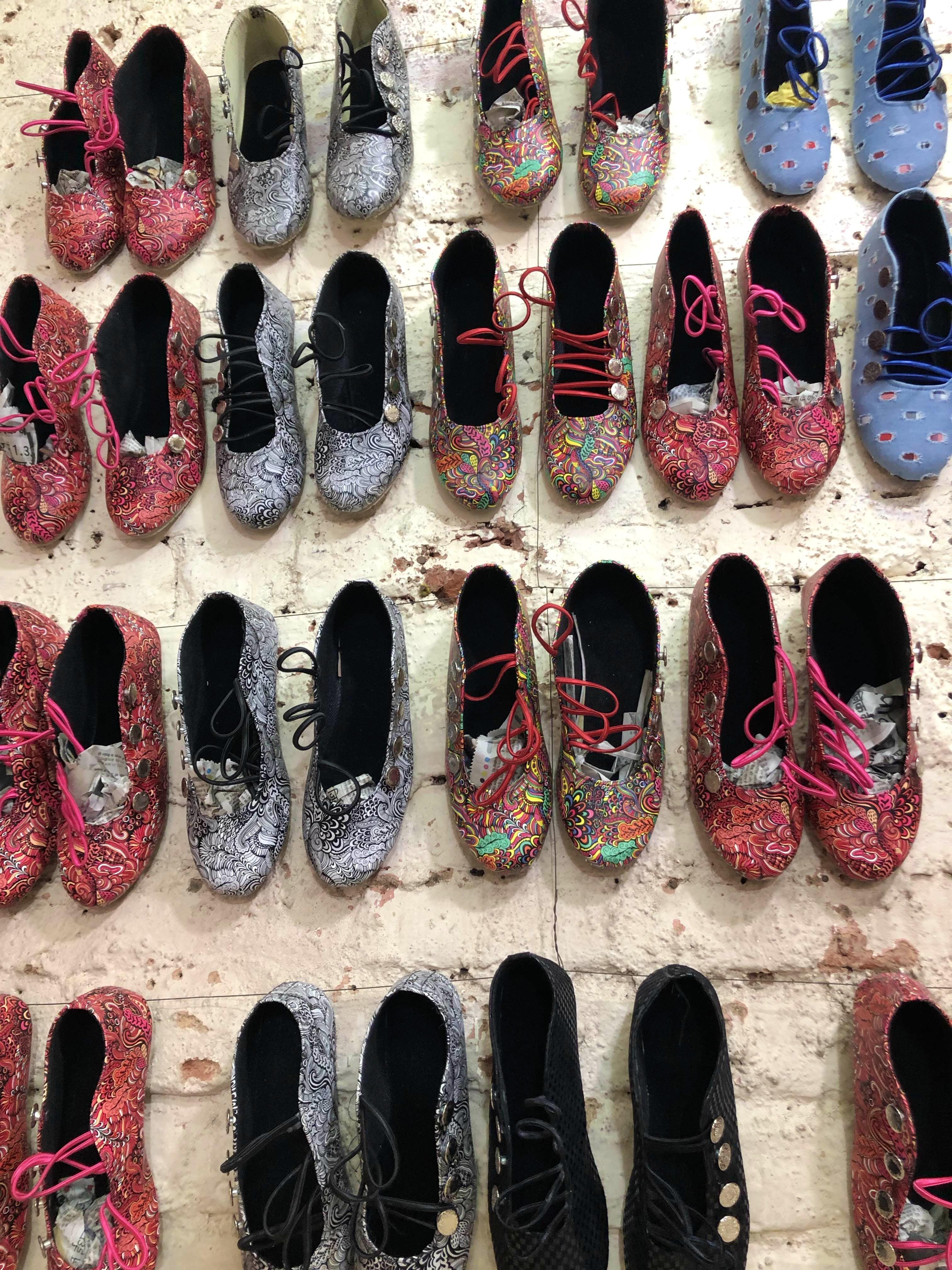 Footwear,Shoe,Pink,Slipper,Design,Material property,Nail,Athletic shoe
