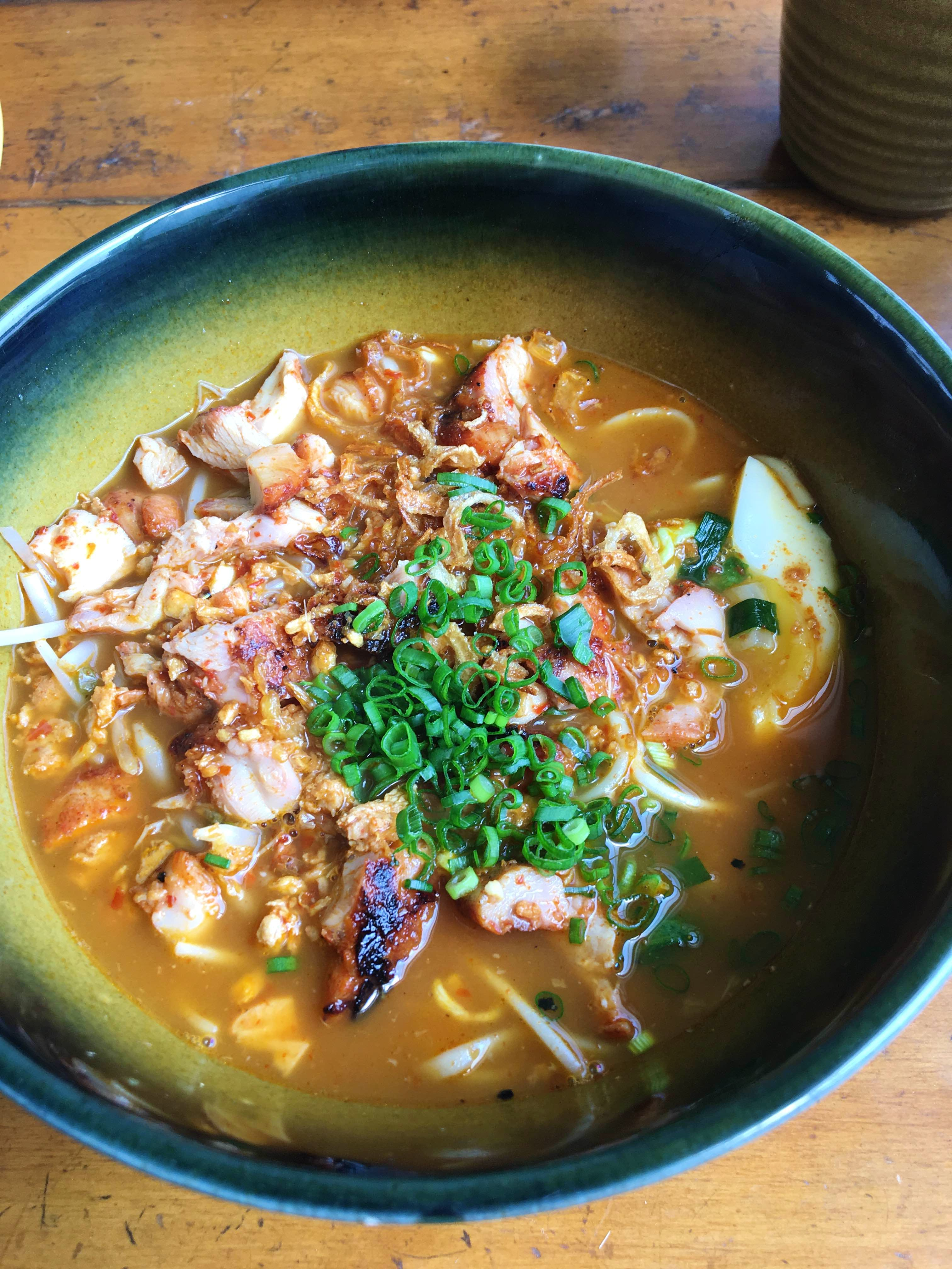 Dish,Food,Cuisine,Ingredient,Haejangguk,Meat,Soup,Produce,Asian soups,Soto mie