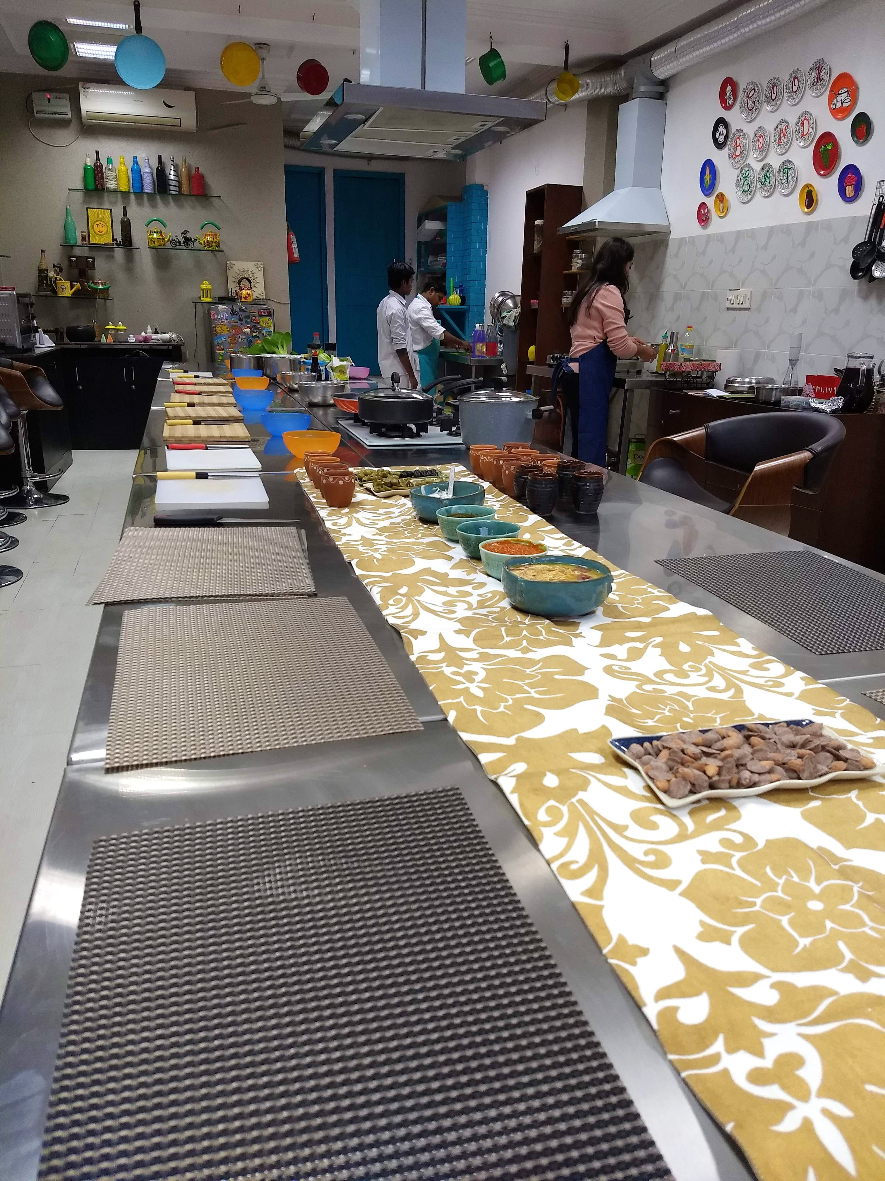 Cook, Bond And Eat With Tastesutra's Experiential Cooking Sessions
