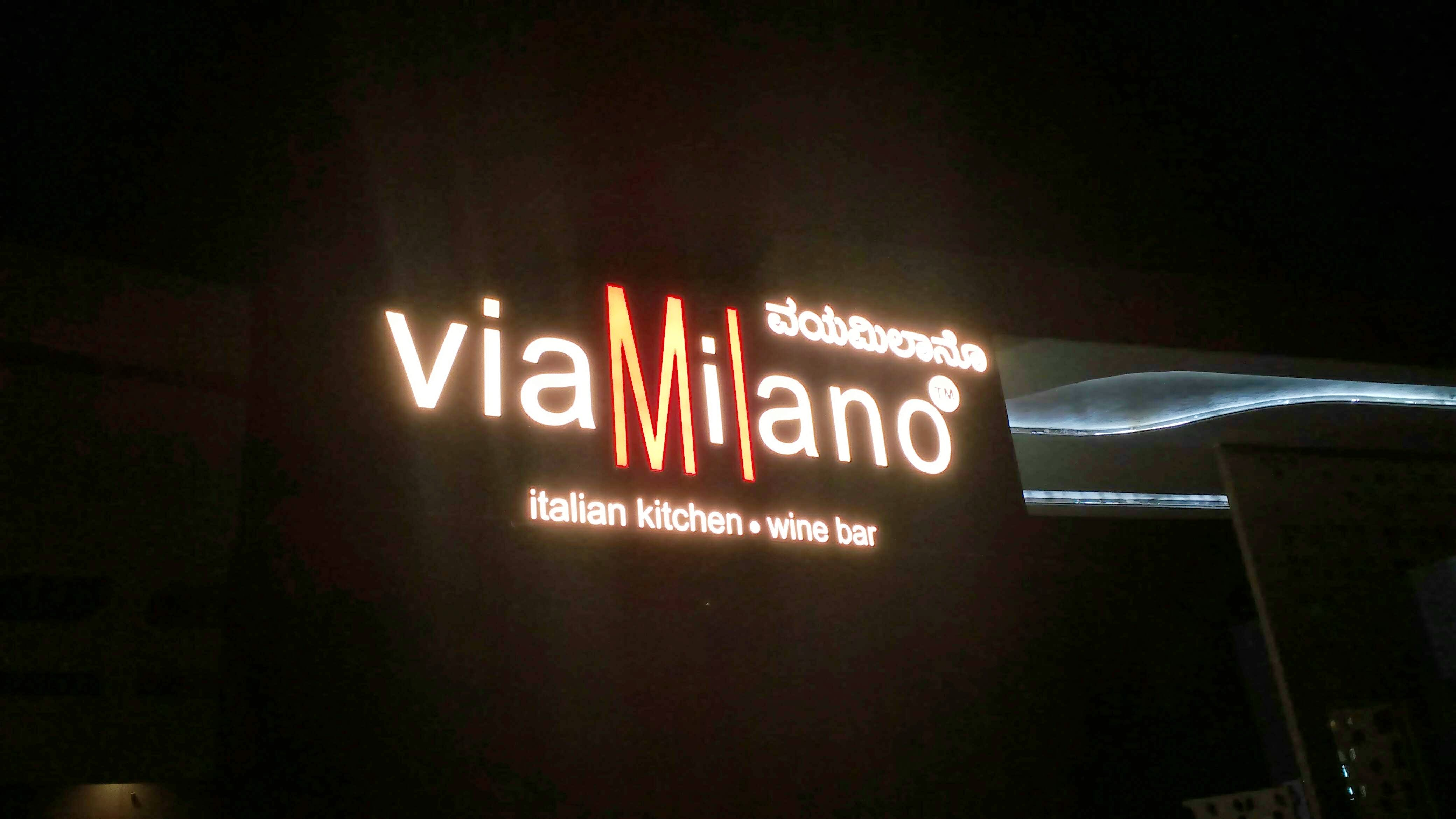Light,Text,Neon,Night,Electronic signage,Signage,Lighting,Font,Neon sign,Display device