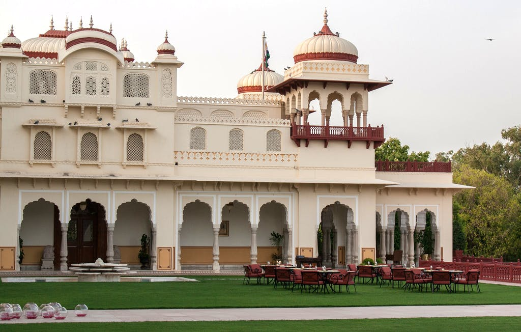 Landmark,Building,Holy places,Architecture,Historic site,Dome,Classical architecture,Palace,Place of worship,Temple